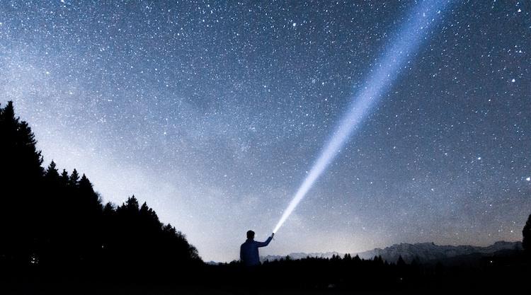 一人暮らしの休日は星を見る