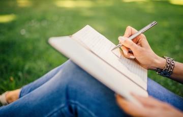 書きやすいボールペン